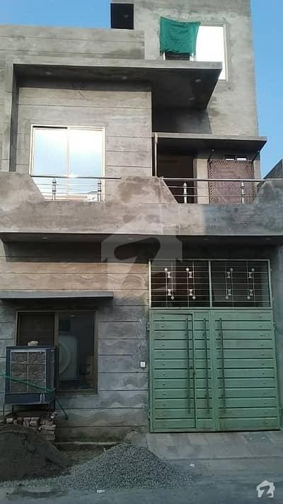 گرینلینڈ هوسینگ سکیم جی ٹی روڈ لاہور میں 3 کمروں کا 3 مرلہ مکان 20 ہزار میں کرایہ پر دستیاب ہے۔