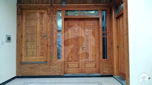جی ۔ 13 اسلام آباد میں 4 کمروں کا 4 مرلہ مکان 58 ہزار میں کرایہ پر دستیاب ہے۔