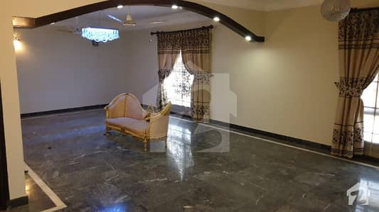 کلفٹن ۔ بلاک 5 کلفٹن کراچی میں 3 کمروں کا 9 مرلہ فلیٹ 85 ہزار میں کرایہ پر دستیاب ہے۔