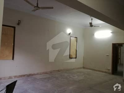 Prime Location 10 Marla Lower Portion For Rent