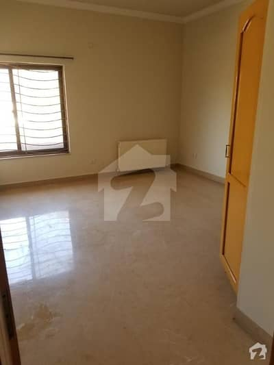 50X90 Upper Portion For Rent In E-11/3 Mpchs   Are Attached