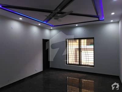 ڈی ایچ اے 11 رہبر فیز 2 ڈی ایچ اے 11 رہبر لاہور میں 3 کمروں کا 10 مرلہ بالائی پورشن 35 ہزار میں کرایہ پر دستیاب ہے۔