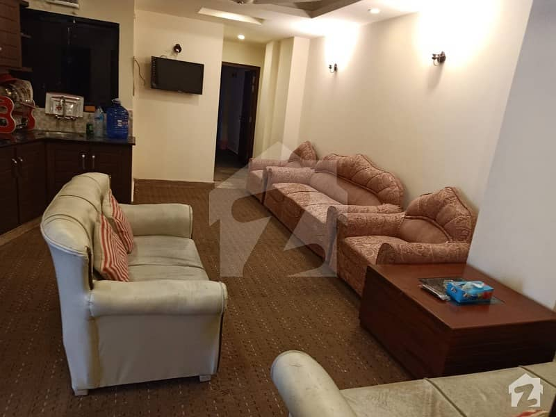 Fully Furnished 2 Beds 900 Sq Ft 3rd Floor Apartment Bahria Town Phase 4