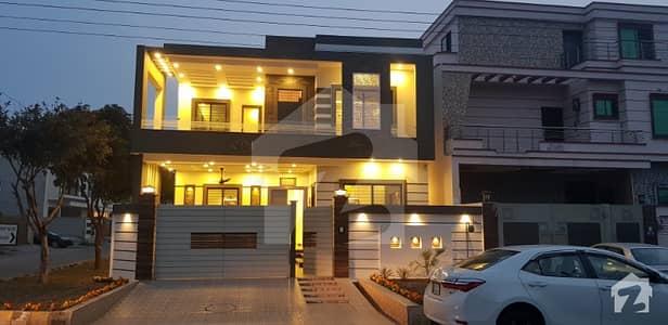 105 Marla Corner Luxury House FOR SALE