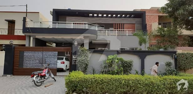 15 MARLA NEWLY CONSTRUCTED DOUBLE STOREY HOUSE FOR SALE