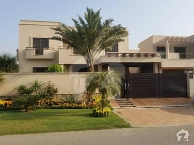 گلبرگ 3 گلبرگ لاہور میں 6 کمروں کا 1.35 کنال مکان 3 لاکھ میں کرایہ پر دستیاب ہے۔