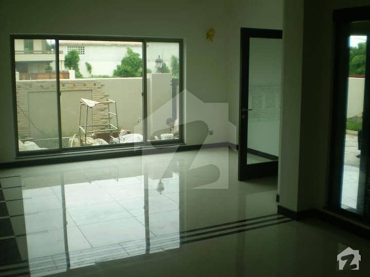 10 Marla Owner Build House For Sale In Bahria Town Phase 8 C Block