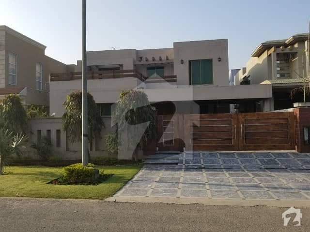 Lower Portion For Rent 1 Kanal 3 Bedroom With Attached Washroom