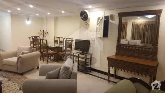 قراقرم ڈپلومیٹک انکلیو اسلام آباد میں 3 کمروں کا 10 مرلہ فلیٹ 1.3 لاکھ میں کرایہ پر دستیاب ہے۔