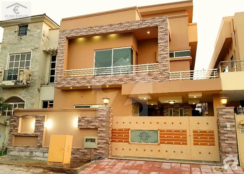 10 Marla Amazing House For Sale In Bahria Town