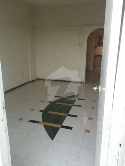 مسکان چورنگی کراچی میں 2 کمروں کا 4 مرلہ فلیٹ 85 لاکھ میں برائے فروخت۔