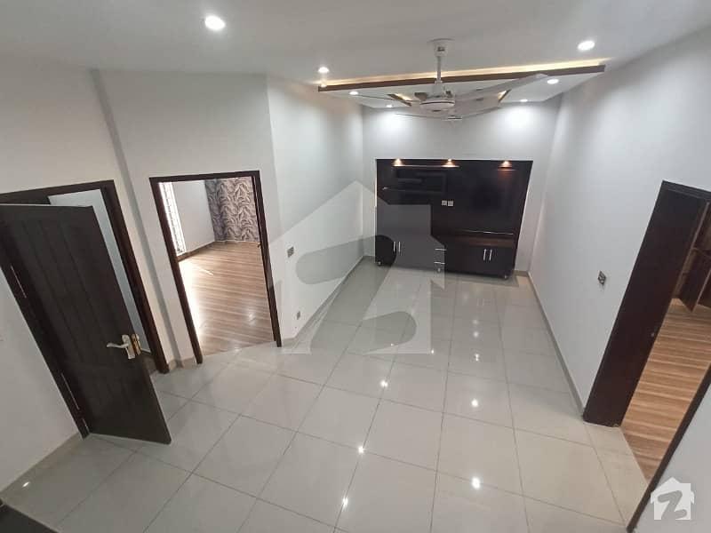 طارق گارڈنز لاہور میں 5 کمروں کا 5 مرلہ مکان 1.4 کروڑ میں برائے فروخت۔