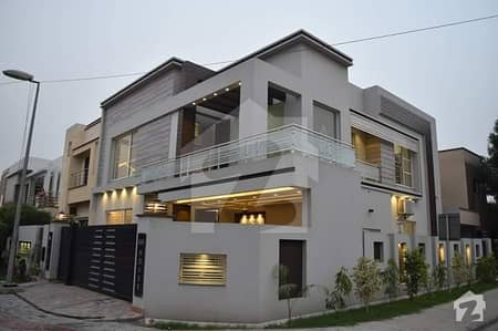11 Marla Corner Luxury House For Rent At Sector C Bahria