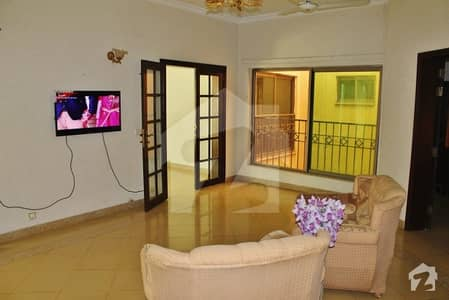 22 Marla 4 Bedrooms Furnished Safari Home With 10 Marla Lawn