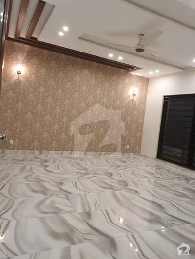 اسٹیٹ لائف ہاؤسنگ فیز 1 اسٹیٹ لائف ہاؤسنگ سوسائٹی لاہور میں 5 کمروں کا 1 کنال مکان 1.5 لاکھ میں کرایہ پر دستیاب ہے۔