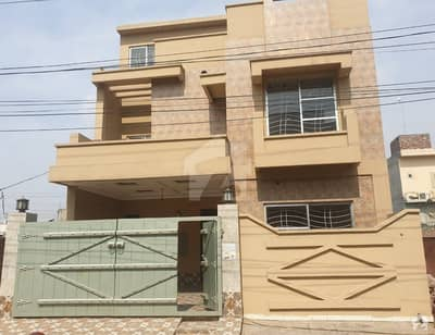 7.5 Marla Brand New House Ultra Modern Very Hot Location Solid Construction