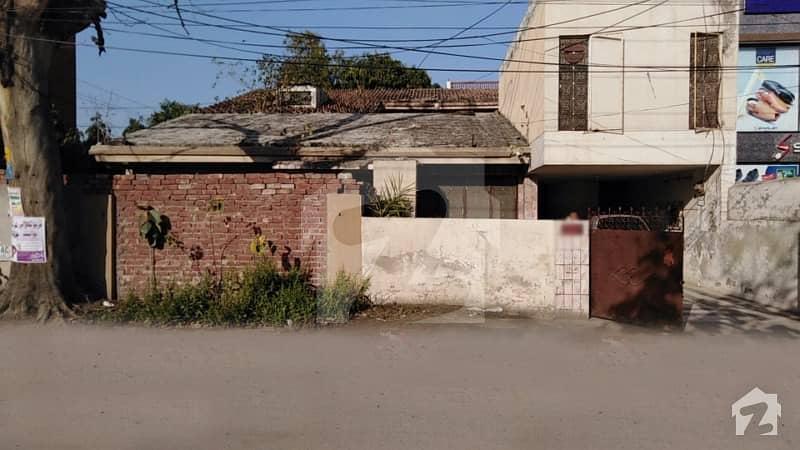 علامہ اقبال مین بلیوارڈ علامہ اقبال ٹاؤن لاہور میں 1 کنال عمارت 20 کروڑ میں برائے فروخت۔