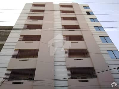 لطیف آباد حیدر آباد میں 3 کمروں کا 6 مرلہ فلیٹ 90 لاکھ میں برائے فروخت۔