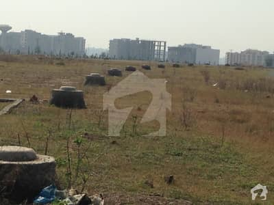 6 Marla Commercial Plot For Sale  10 Lac Each Marla Near To Gulberg Business Square