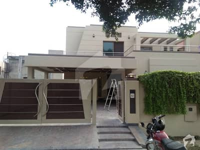 1 Kanal Slightly Used Corner Facing Park House Available For Rent In State Life Housing Phase 1