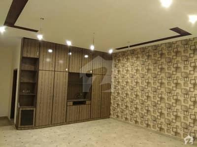 ڈی ایچ اے 11 رہبر لاہور میں 5 کمروں کا 10 مرلہ مکان 75 ہزار میں کرایہ پر دستیاب ہے۔