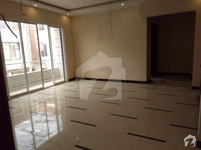 Cc111  3 Bed Portion For Sale With Roof In Beautiful Location Of Kda Scheme 1 For Sale