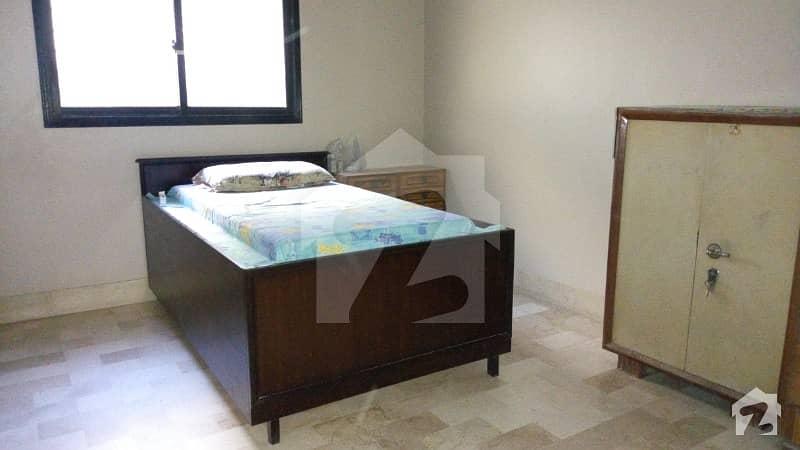 رشید آباد بلدیہ ٹاؤن کراچی میں 5 کمروں کا 6 مرلہ مکان 1.7 کروڑ میں برائے فروخت۔