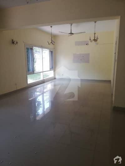 ایف ۔ 7/4 ایف ۔ 7 اسلام آباد میں 5 کمروں کا 1.33 کنال مکان 11.75 کروڑ میں برائے فروخت۔