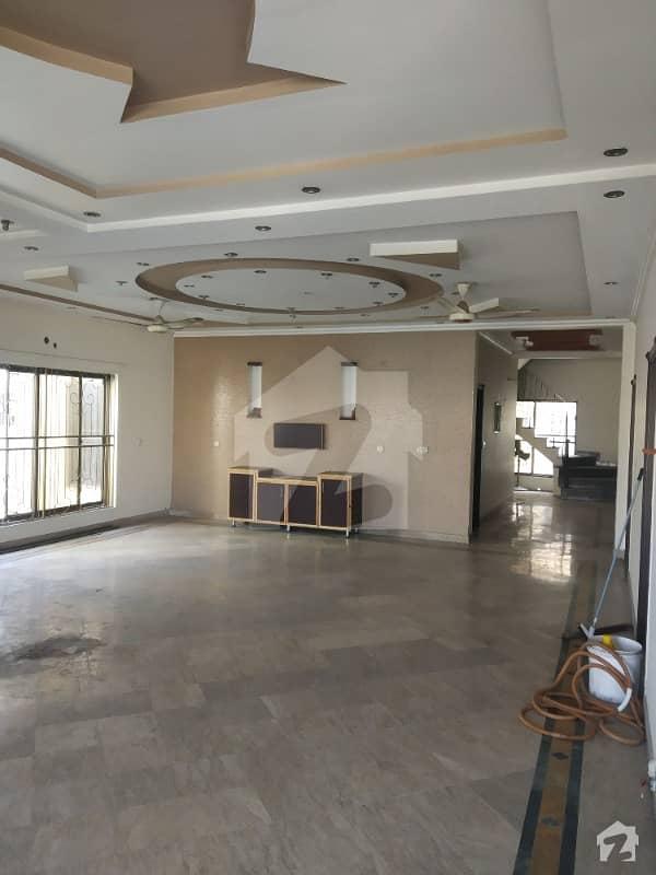این ایف سی 1 لاہور میں 5 کمروں کا 1 کنال مکان 1.6 لاکھ میں کرایہ پر دستیاب ہے۔
