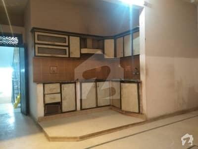 بفر زون سیکٹر 15-A / 3 بفر زون نارتھ کراچی کراچی میں 2 کمروں کا 5 مرلہ بالائی پورشن 22 ہزار میں کرایہ پر دستیاب ہے۔