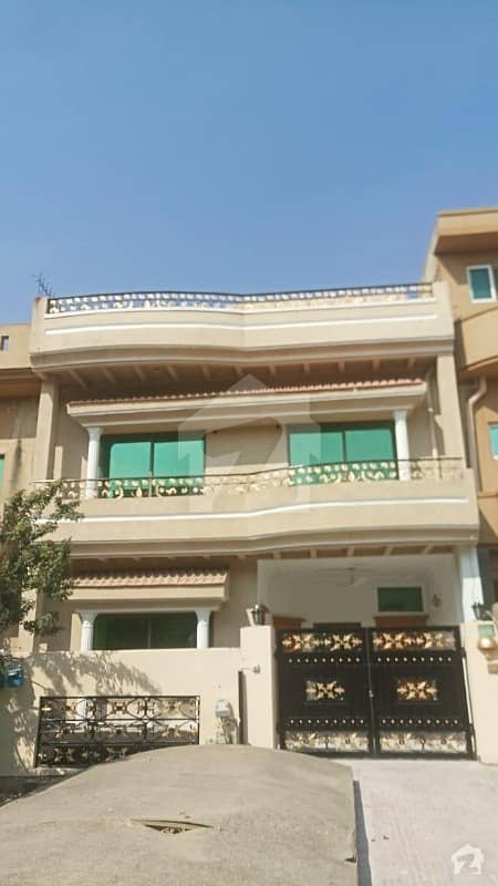 F11 2 Prime Location 3 Floor House Avalible For Sale