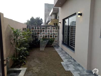 10 Marla Brand New House For Sale Ideal Location