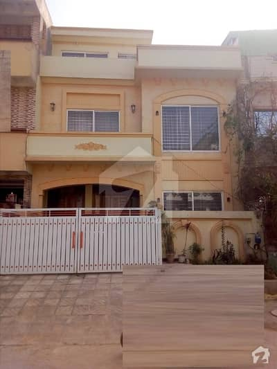 House Size 25 X 40 For Sale In G13