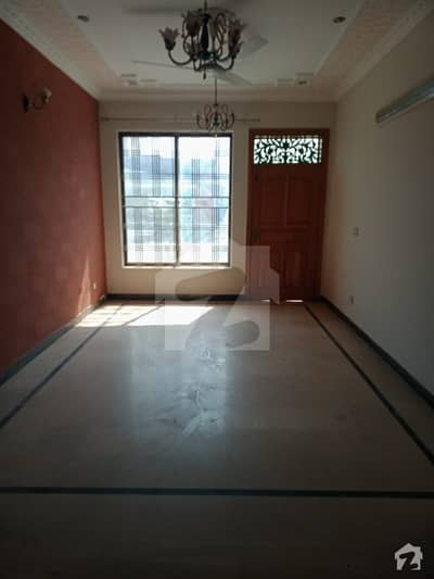 G13 Upper Portion For Rent Available Near Market Near Main Double Road