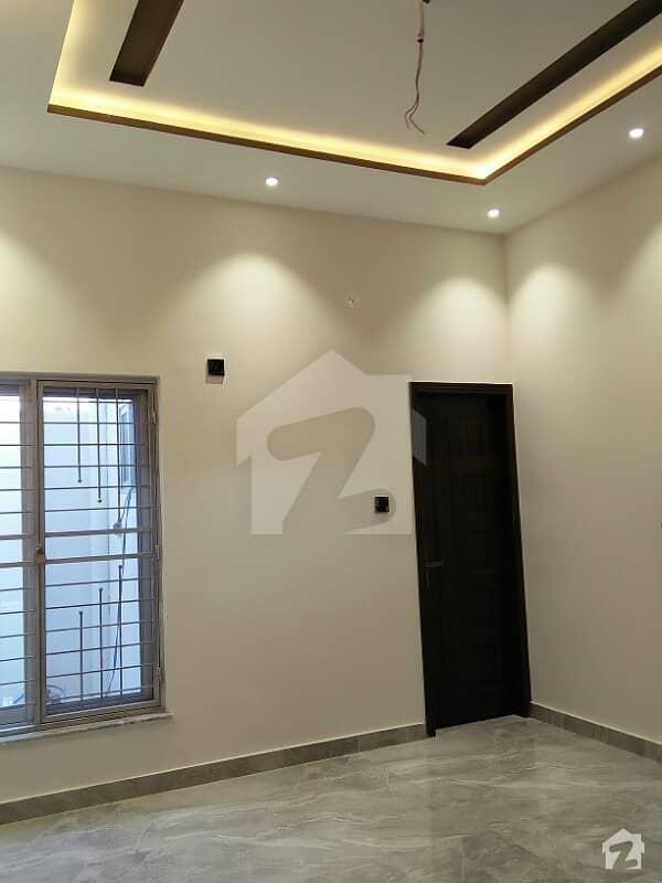 الرحمان گارڈن فیز 2 الرحمان گارڈن لاہور میں 5 کمروں کا 5 مرلہ مکان 30 ہزار میں کرایہ پر دستیاب ہے۔
