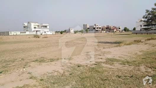 لیک سٹی ۔ سیکٹر ایم ۔ 3 لیک سٹی رائیونڈ روڈ لاہور میں 1 کنال رہائشی پلاٹ 1.32 کروڑ میں برائے فروخت۔