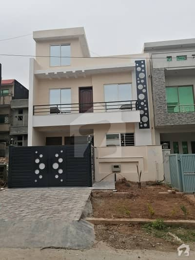 G13 Brand New  Eid Gift  25x40 Size  4 Marla On 50 Feet Wide Road  South Face Very Decent State Of The Art Solid Construction Under Services Of Civil Engineer