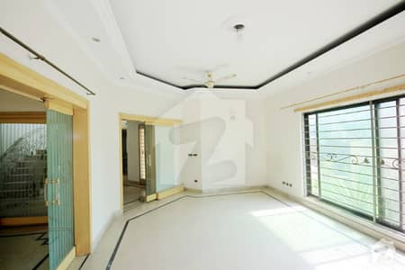One Kanal Well Maintained Bungalow Near DD Market Prime Location Direct Approach