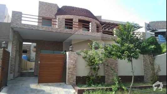 12 marla beautiful House available in PECHS near mumtaz city new airport Islamabad