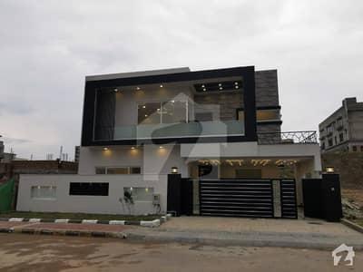 بحریہ ٹاؤن فیز 8 ۔ بلاک بی بحریہ ٹاؤن فیز 8 بحریہ ٹاؤن راولپنڈی راولپنڈی میں 7 کمروں کا 1.3 کنال مکان 3.8 کروڑ میں برائے فروخت۔