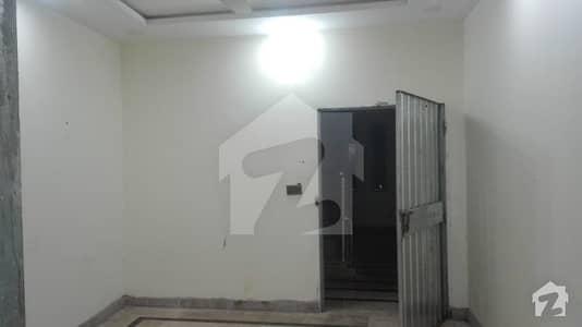 ڈی ایچ اے فیز 2 - بلاک یو فیز 2 ڈیفنس (ڈی ایچ اے) لاہور میں 1 کمرے کا 4 مرلہ فلیٹ 13 ہزار میں کرایہ پر دستیاب ہے۔