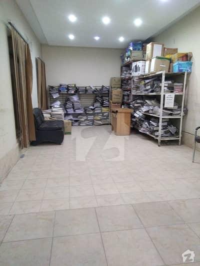 ویسٹ وُوڈ ہاؤسنگ سوسائٹی لاہور میں 2 کمروں کا 1 مرلہ کمرہ 10 ہزار میں کرایہ پر دستیاب ہے۔