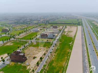 لیک سٹی ۔ سیکٹر ایم ۔ 4 لیک سٹی رائیونڈ روڈ لاہور میں 1 کنال رہائشی پلاٹ 3 کروڑ میں برائے فروخت۔