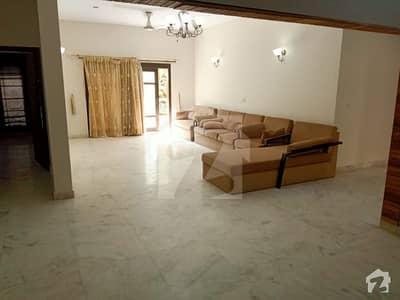 سراج الدولہ روڈ کراچی میں 7 کمروں کا 12 مرلہ مکان 3 لاکھ میں کرایہ پر دستیاب ہے۔