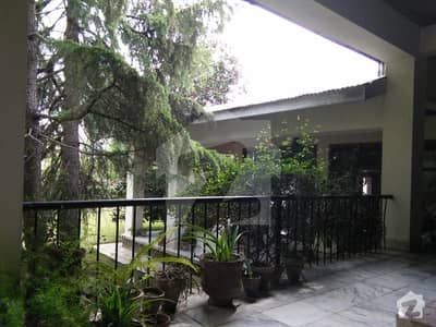 5 Kanal Old House For Sale With Chinar Trees Lush Green Lawns At Heart Of City Abbottabad