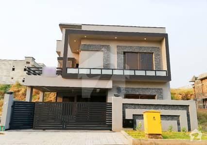 Decent Design Luxury 10 Marla House For Sale