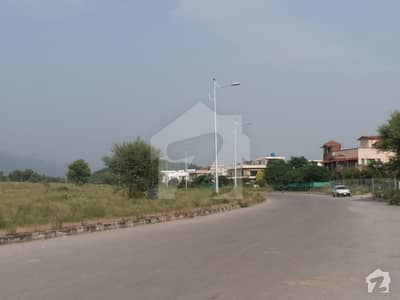 I-15 Islamabad 200 Sq Yard Plot For Sale Prime Location 30x60 Size