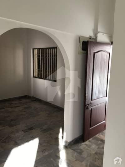 کلفٹن ۔ بلاک 1 کلفٹن کراچی میں 2 کمروں کا 5 مرلہ فلیٹ 90 لاکھ میں برائے فروخت۔