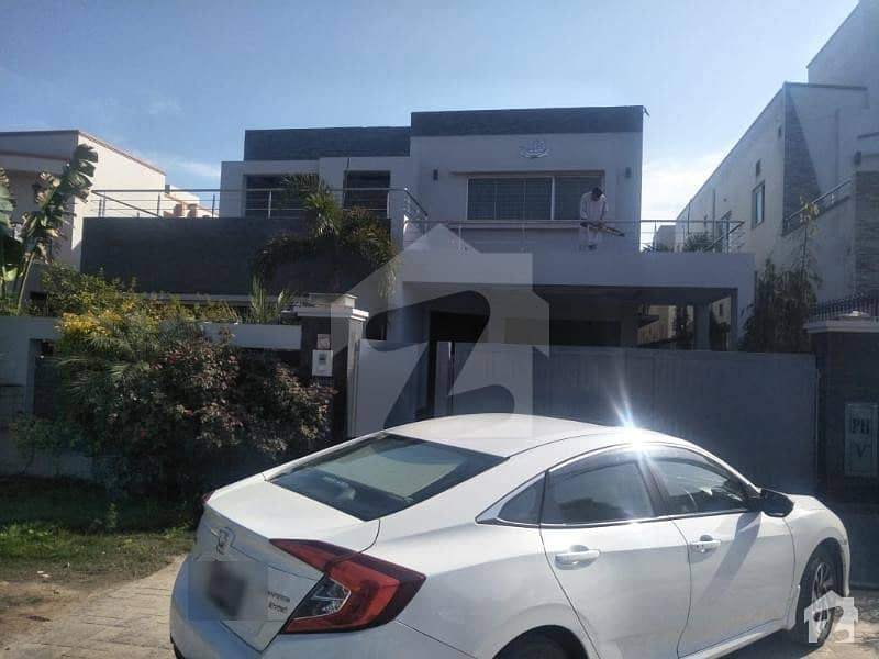 Defence One Kanal Modern Luxury Bungalow For Rent In DHA Phase 5 E Block Lahore