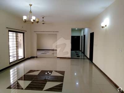 عسکری 5 ملیر کنٹونمنٹ کینٹ کراچی میں 4 کمروں کا 13 مرلہ فلیٹ 3.3 کروڑ میں برائے فروخت۔